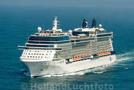 Noordzee - Luchtfoto Cruiseschip Celebrity Eclipse