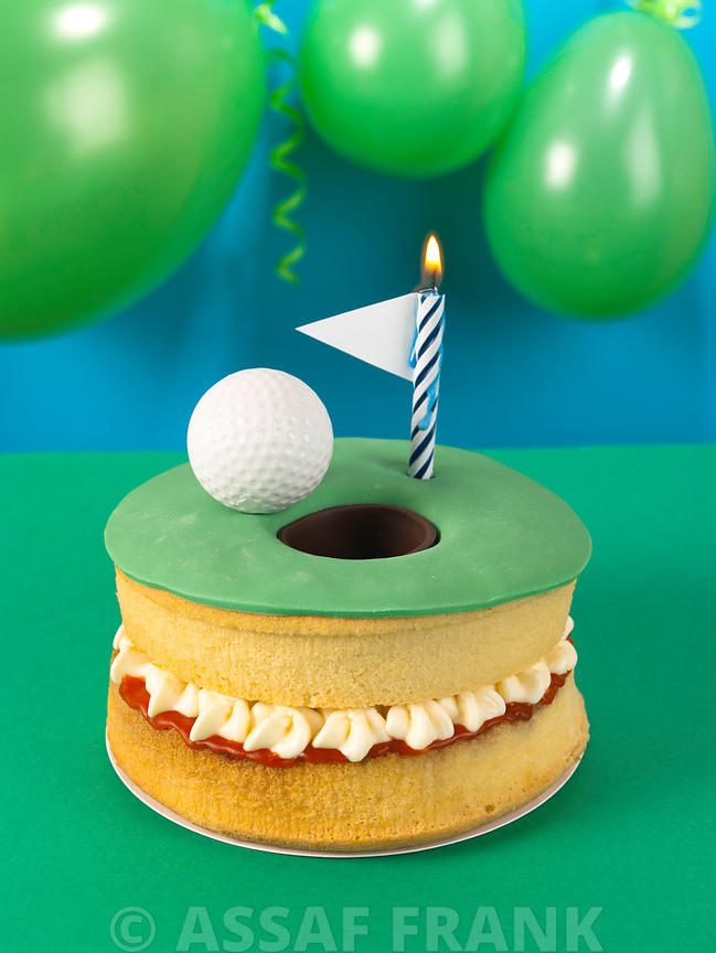 Golf cake with a candle