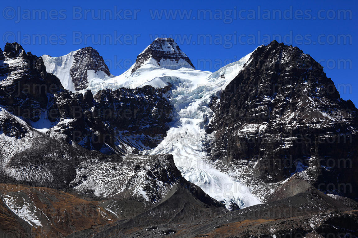 Magical Andes Photography   Glacial U shaped valley and Mt