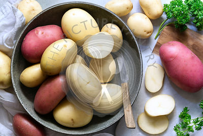 Red and white potatoes in a bowl.