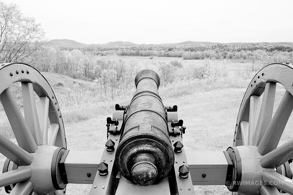 CANNON SARATOGA NATIONAL HISTORICAL PARK NEW YORK BLACK AND WHITE