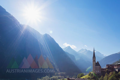 Austria, Carinthia, Heiligenblut am Grossglockner, Hohe Tauern National Park, parish church in front of Grossglockner