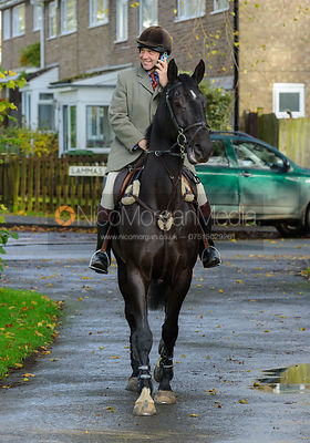 Roger Weatherby - The Cottesmore Hunt at Braunston, 12-11-13.