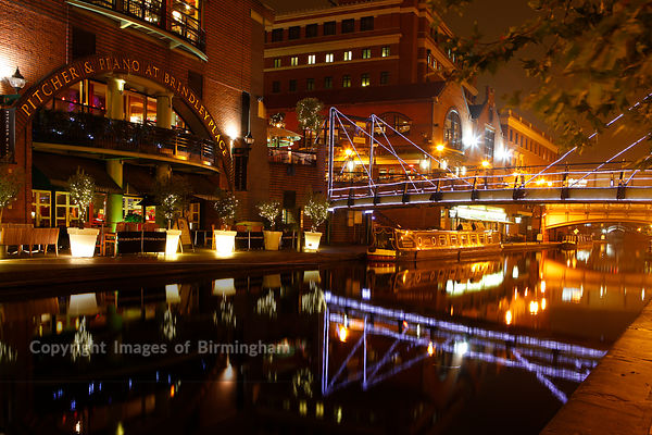 The canals alongside Brindleyplace, Birmingham, West Midlands, England, UK