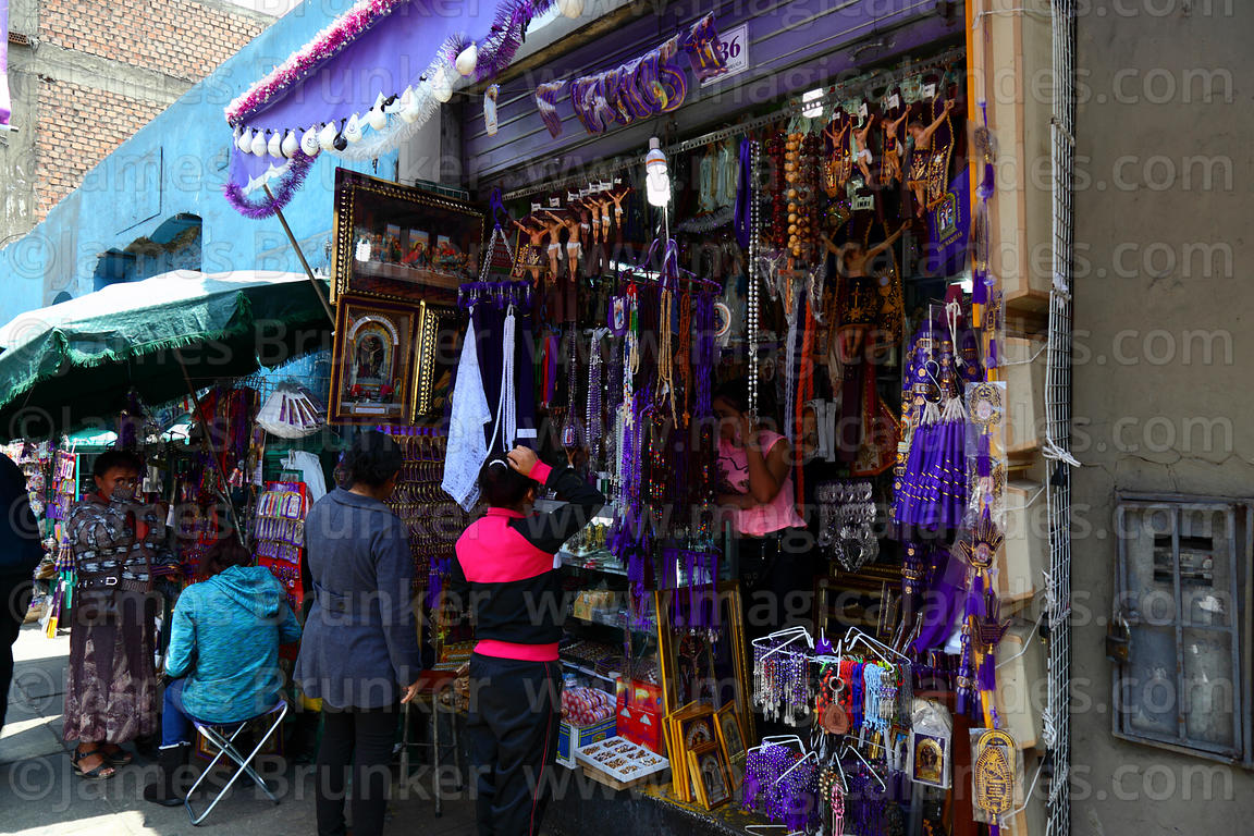 Shop selling Señor de los Milagros icons and souvenirs, Lima, Peru