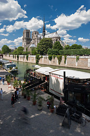 Quai Notre Dame de Paris and the Seine