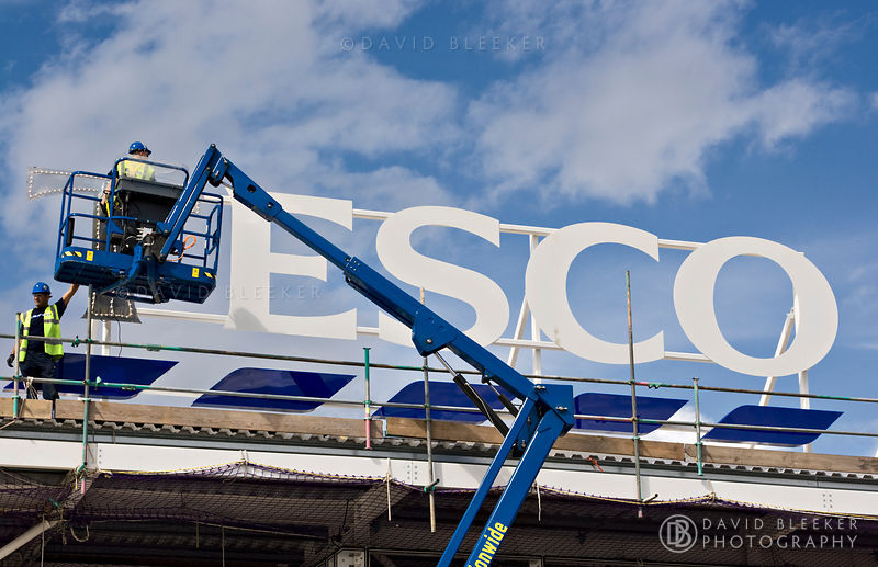Tesco sign installation, London