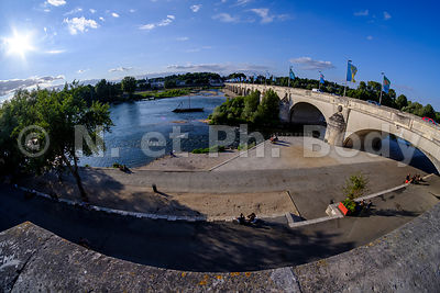 LA LOIRE, TOURS, INDRE ET LOIRE, FRANCE//THE LOIRE RIVER, TOURS, INDRE ET LOIRE, FRANCE