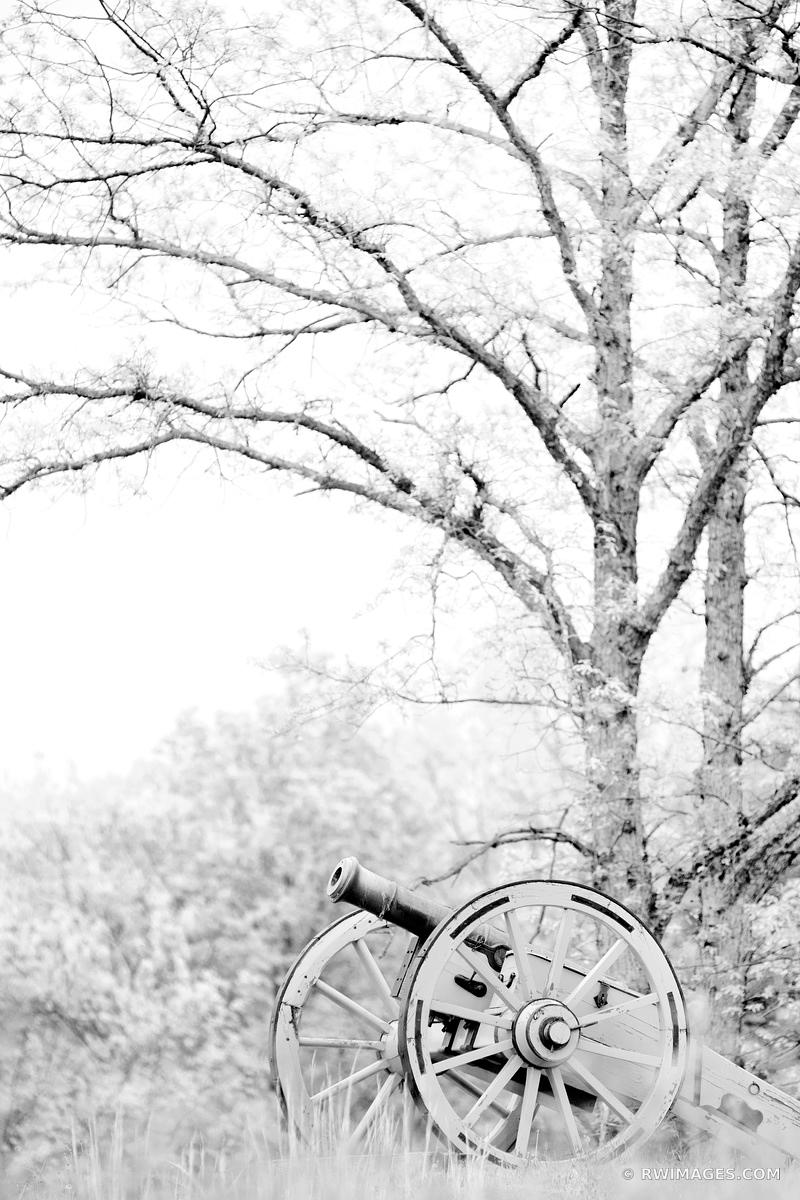 CANNON BATTLEFIELD SARATOGA NATIONAL HISTORICAL PARK NEW YORK BLACK AND WHITE