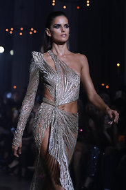 London Fashion Week Spring Summer 2019  - Julien MacDonald