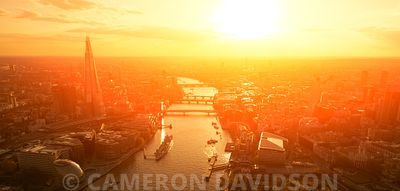 Aerial photograph of the Thames River in the morning
