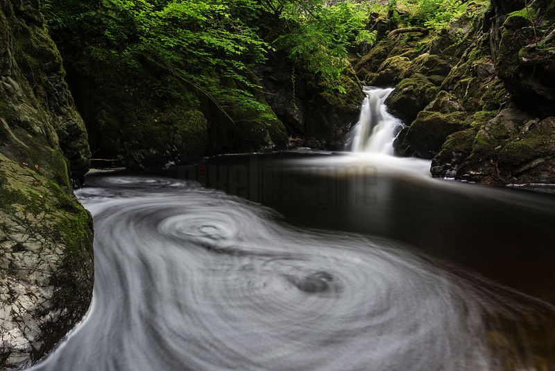 Eddies Recorded as Bubbles Swirl Below Aira Force