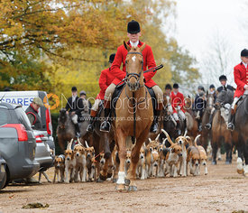 Huntsman John Holliday and the Belvoir hounds - The Belvoir Hunt at Scalford Hall 16-11-13