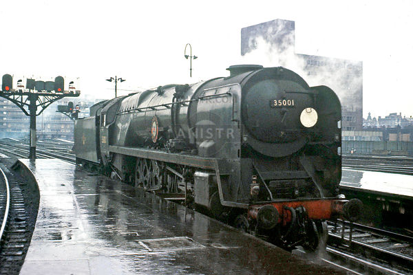 PHOTOS OF rebuilt MERCHANT NAVY (MN) CLASS 4-6-2 SR STEAM LOCOS