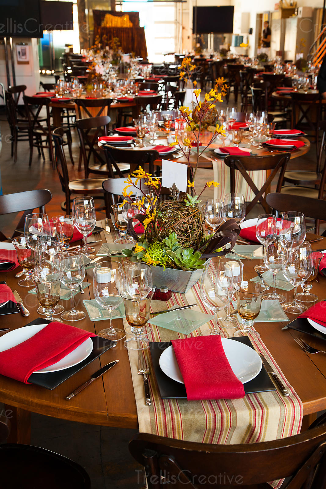 Elegantly decorated wine country table setting