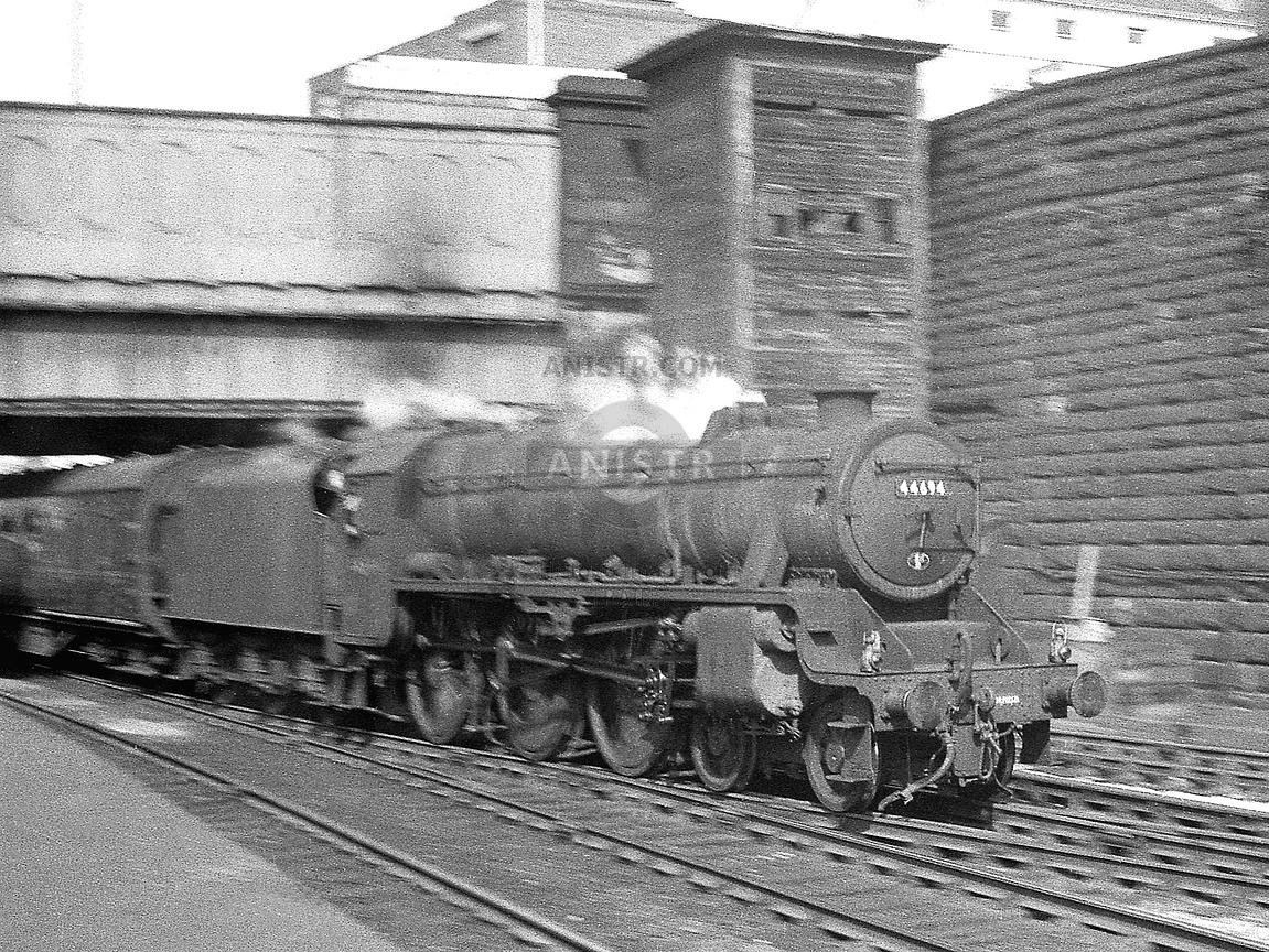 Steam loco Black 5 44694 Preston