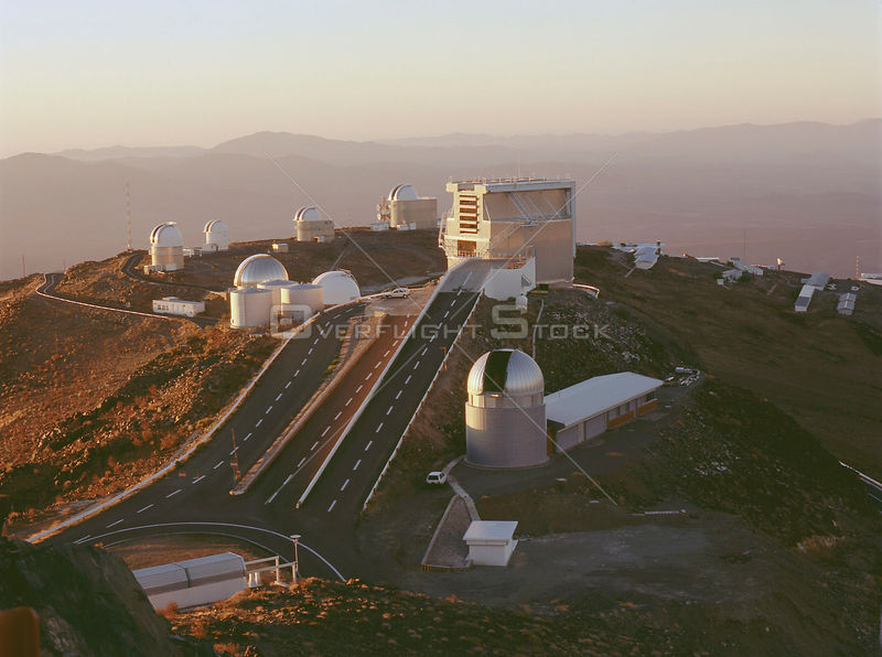 CHILE La Silla -- c.2000 --  Evening view of La Silla at the moment of 'telescope start-up'.
