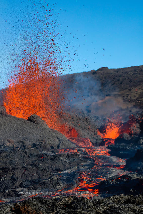 Lava fountain from the earth center