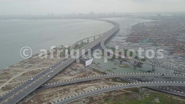 Lagos vu du ciel : three mainland bridge