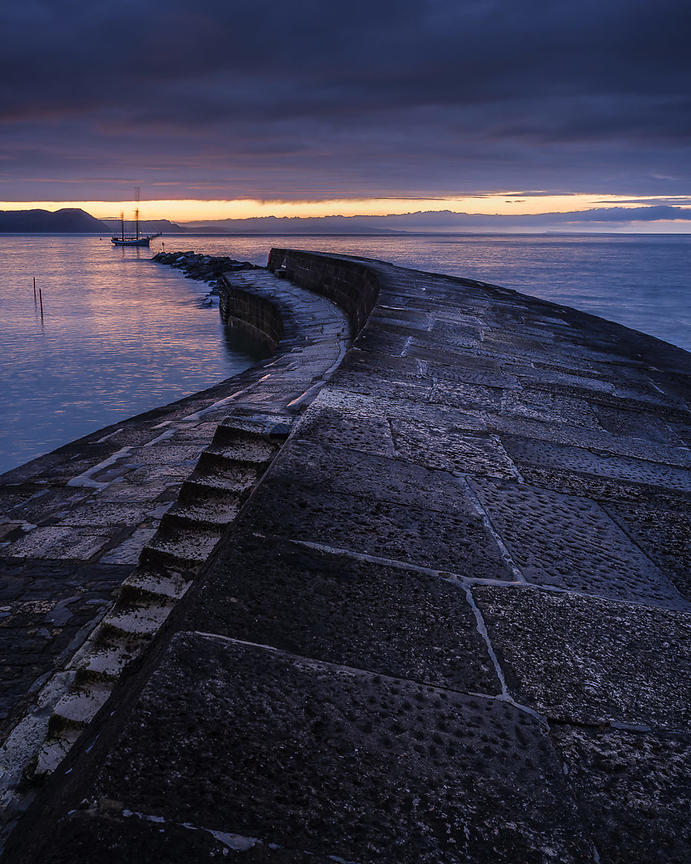 Brooding_twilight_at_the_Cobb_-_Lyme_Regis