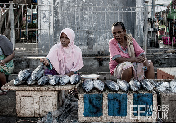 Ladies Selling Tuna