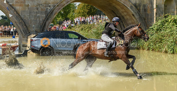 Piggy French and VANIR KAMIRA, cross country phase, Land Rover Burghley Horse Trials 2018