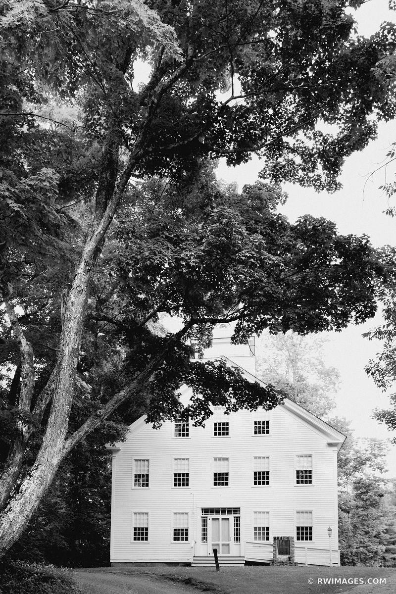 OLD HOUSE WOODSTOCK VERMONT BLACK AND WHITE