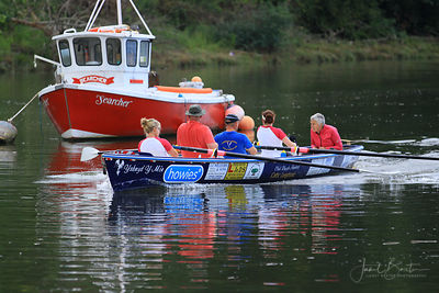 Long boat rowing race