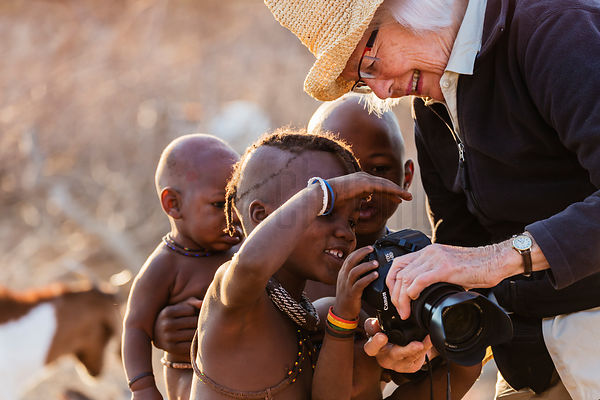 Suzanne Brown Showing Himba Children Images on ther Camera