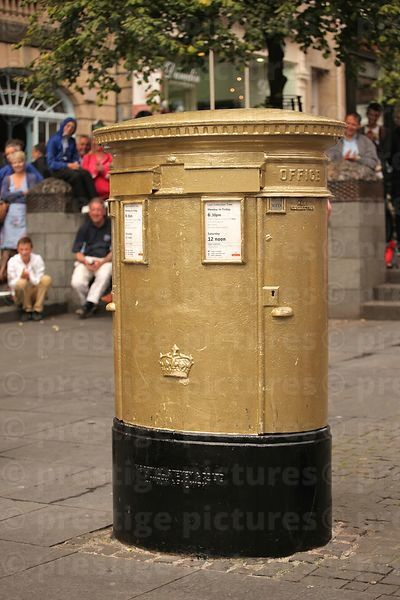 Gold postbox in Honour of Sir Chris Hoy