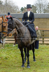 Sophie Walker, Cos Me Is Black at the Meet at Parva Lodge