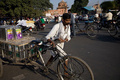 India - Jaipur - A cycle wallah