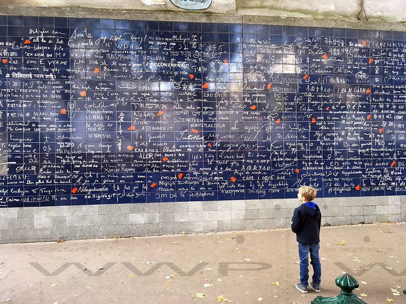 Wall-of-Love-Montmartre-Paris-03