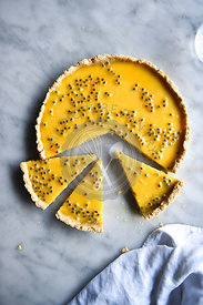 Lemon curd tart with passion fruit