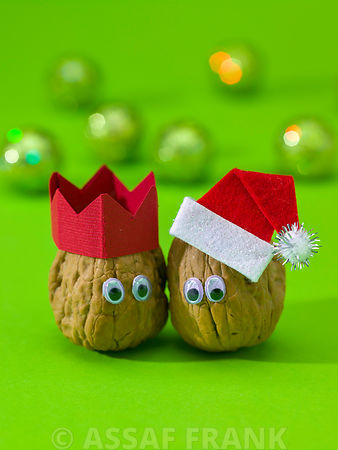 Christmas walnut - Nuts decorated with eyes and Santa hat