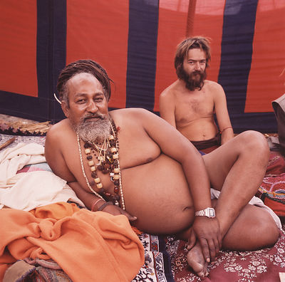 A guru and his western devotee at the Kumbh Mela