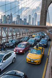Embouteillage sur le pont de Brooklyn, New York, USA / Traffic jam on the Brooklyn Bridge, New York, USA