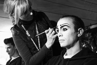 "Maquillage du prestidigitateur chinois de ""Parade"", ballet de Massine, Satie, Cocteau et Picasso"