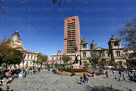 Cathedral and Presidential Palace (centre), new Government Palace / Casa Grande del Pueblo under construction behind, Plaza M...