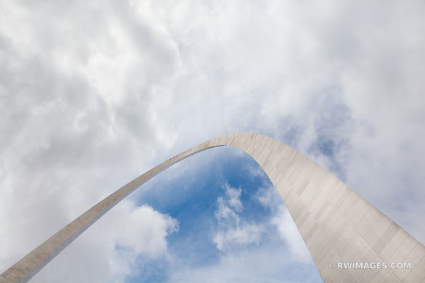 GATEWAY ARCH NATIONAL PARK ST. LOUIS MISSOURI COLOR