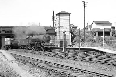 PHOTOS OF  STANIER 8P 'PRINCESS' CLASS 4-6-2 STEAM LOCOS