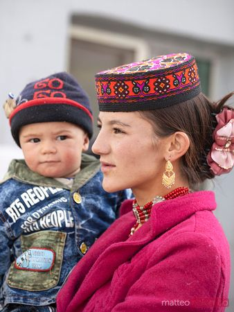 Mum and child, Tashkurgan, Xinjiang, China