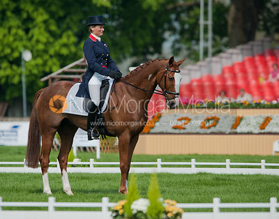 Mary King and Apache Sauce - Dressage