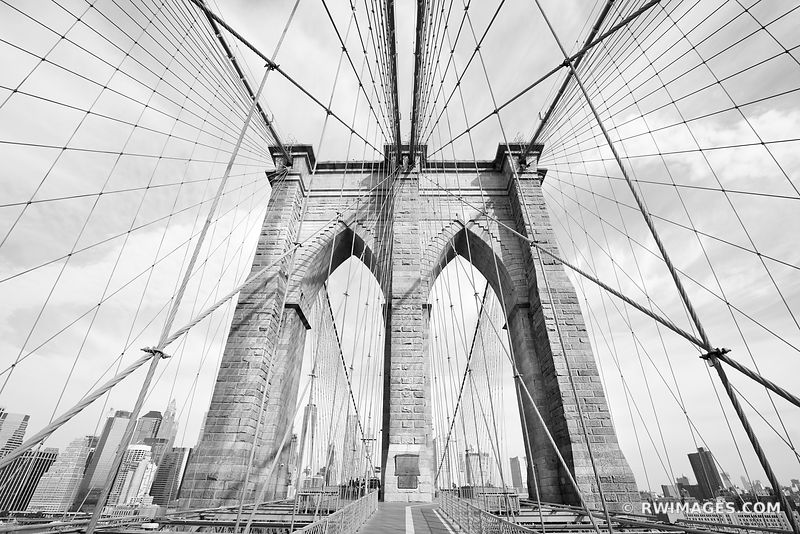 BROOKLYN BRIDGE MANHATTAN SKYLINE NEW YORK CITY NEW YORK