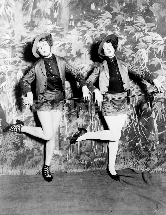 Sams Credit Login >> Eon Images | Vaudeville dancers on stage