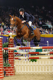 Joe Clayton and Ashkari - The Horse and Hound Foxhunter, Horse of the Year Show 2010