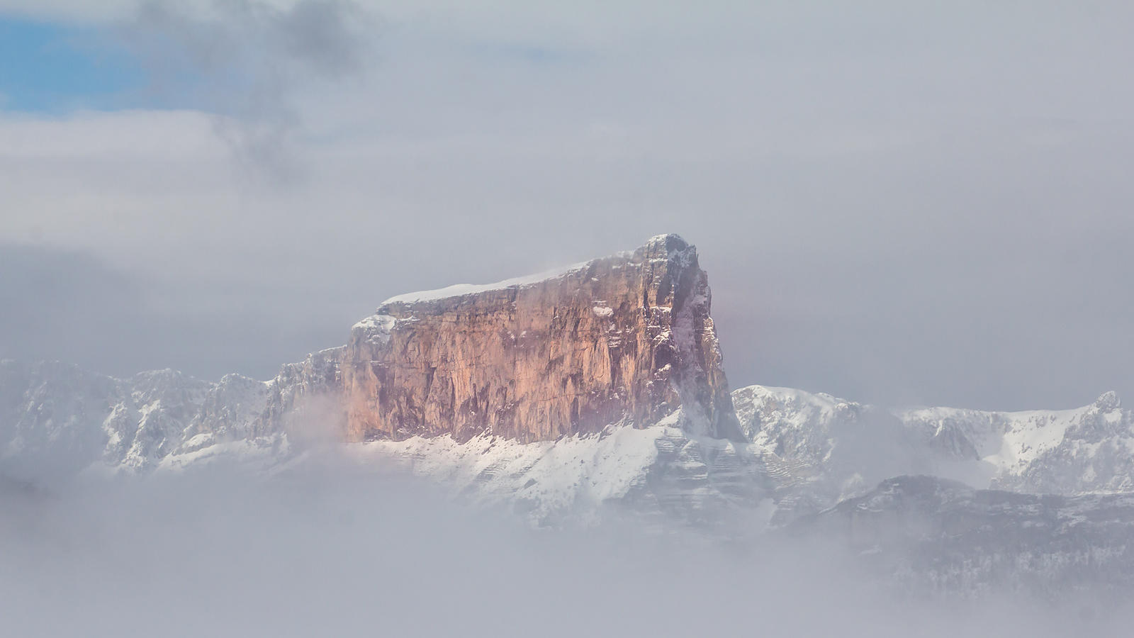 Trieves-photo-nature-brume-Mont-Aiguille