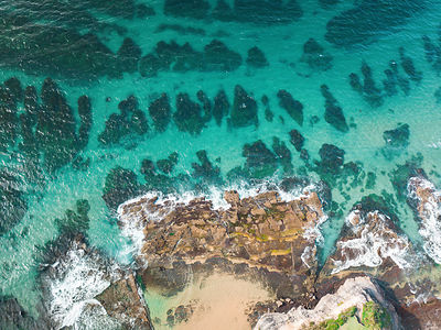 Beautiful reef crystal clear water and interesting rock features and patterns. Australia