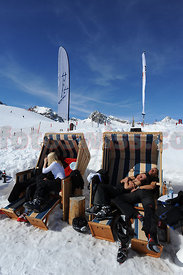Relaxing at Ski Club Alpina Berghut on Corviglia Ski Resort Saint Moritz Mountains