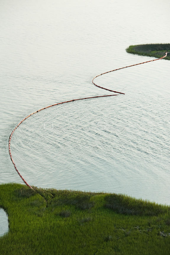 Aerial view of oil containment booms protecting Queen Bess Island, Grande Isle, Louisiana, Gulf of Mexico, USA, August 2010